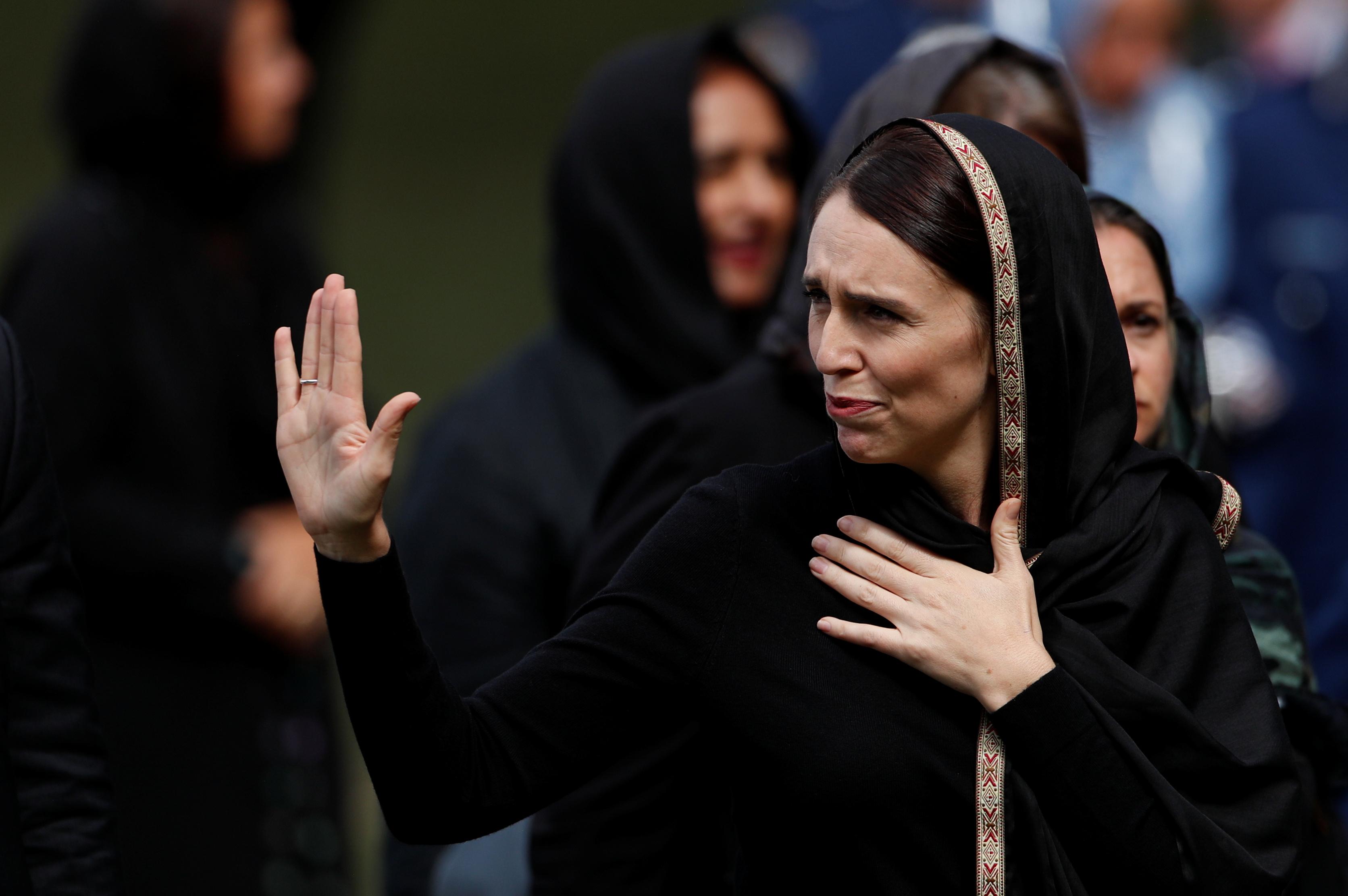 رئيسة وزراء نيوزيلندا تشارك فى أول صلاة جمعة بمسجد النور