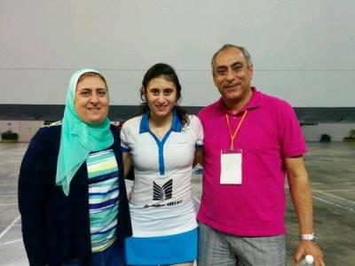 والدة نور الشربيني و والدها