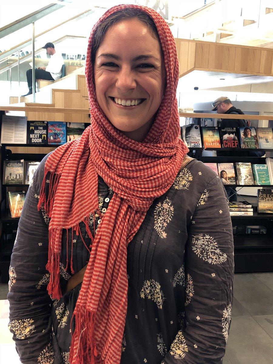 نيوزيلندية ترتدى الحجاب تضامان