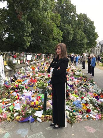 وزيرة الهجرة المصرية تشارك فى الجنازة الرسمية لشهداء حادث مسجدى نيوزيلندا (1)