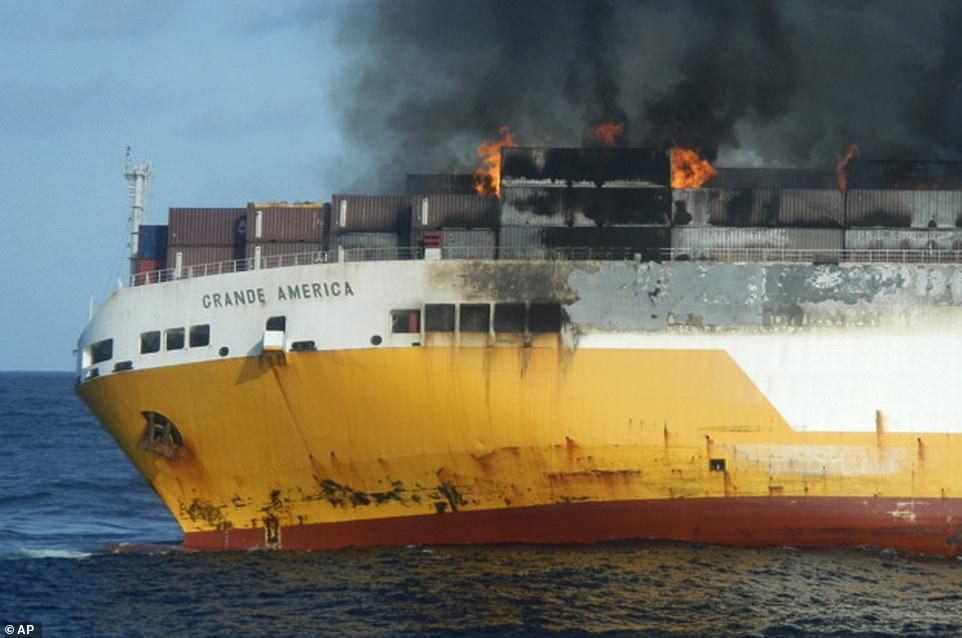 أثناء غرق السفينة