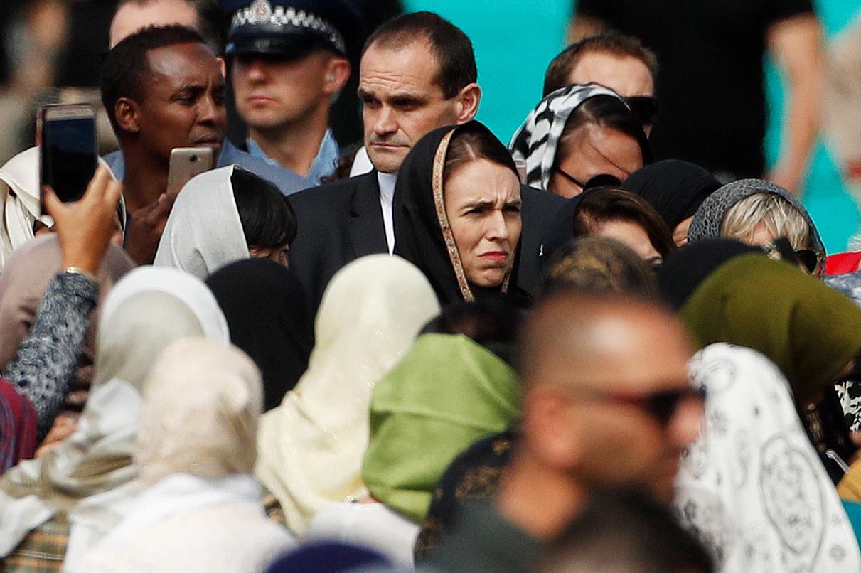 رئيسة وزراء نيوزيلندا تشارك فى أول صلاة جمعة بمسجد النور (5)
