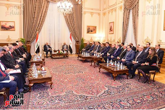 رئيس النواب يستقبل رئيس وزراء العراق بـالبرلمان (9)