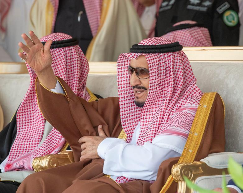 الملك سلمان بن عبد العزيز خلال فعاليات الحفل الختامى للمهرجان