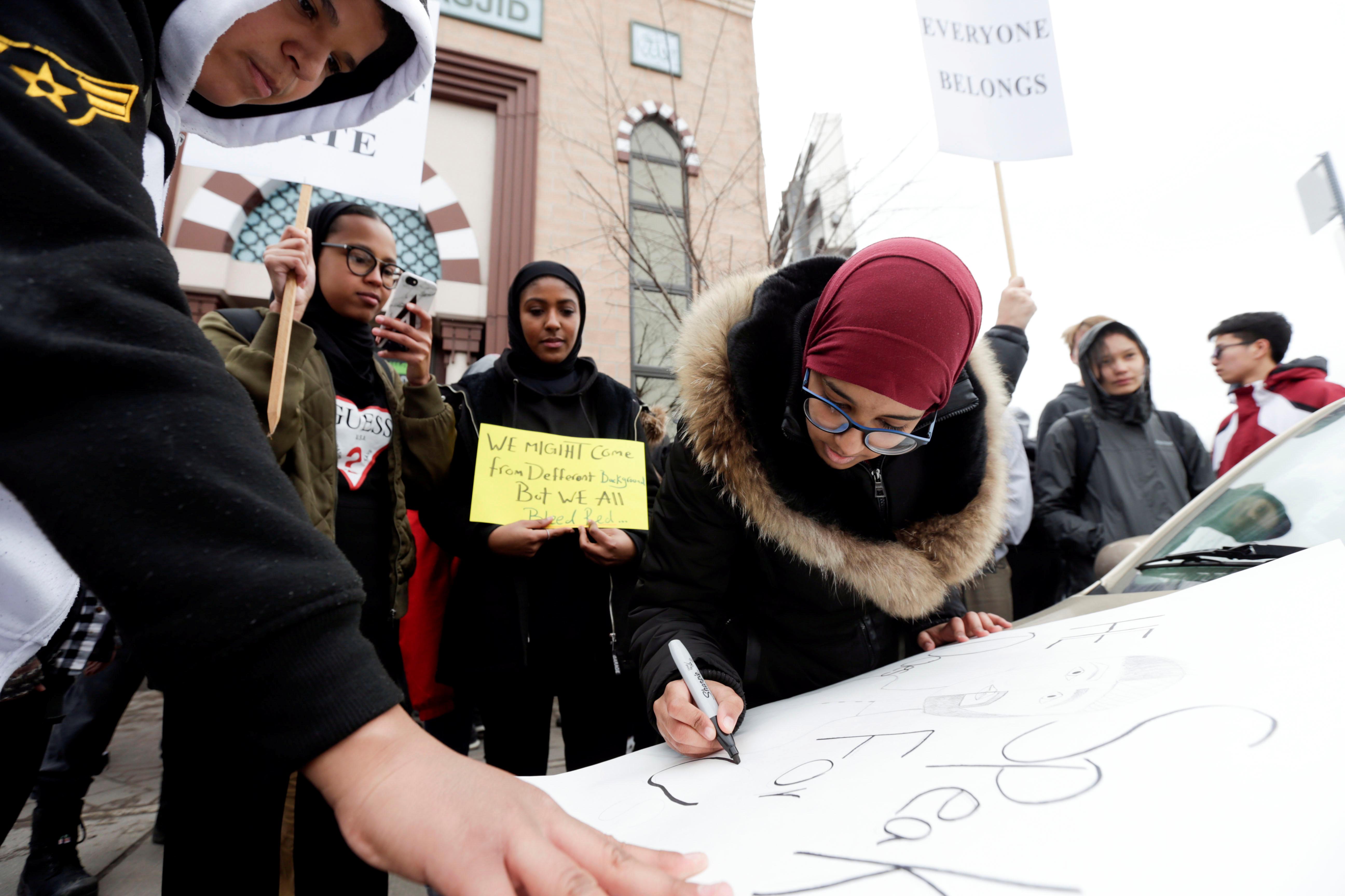 مسيرة فى كندا تضامنا مع ضحايا هجوم المسجدين (3)
