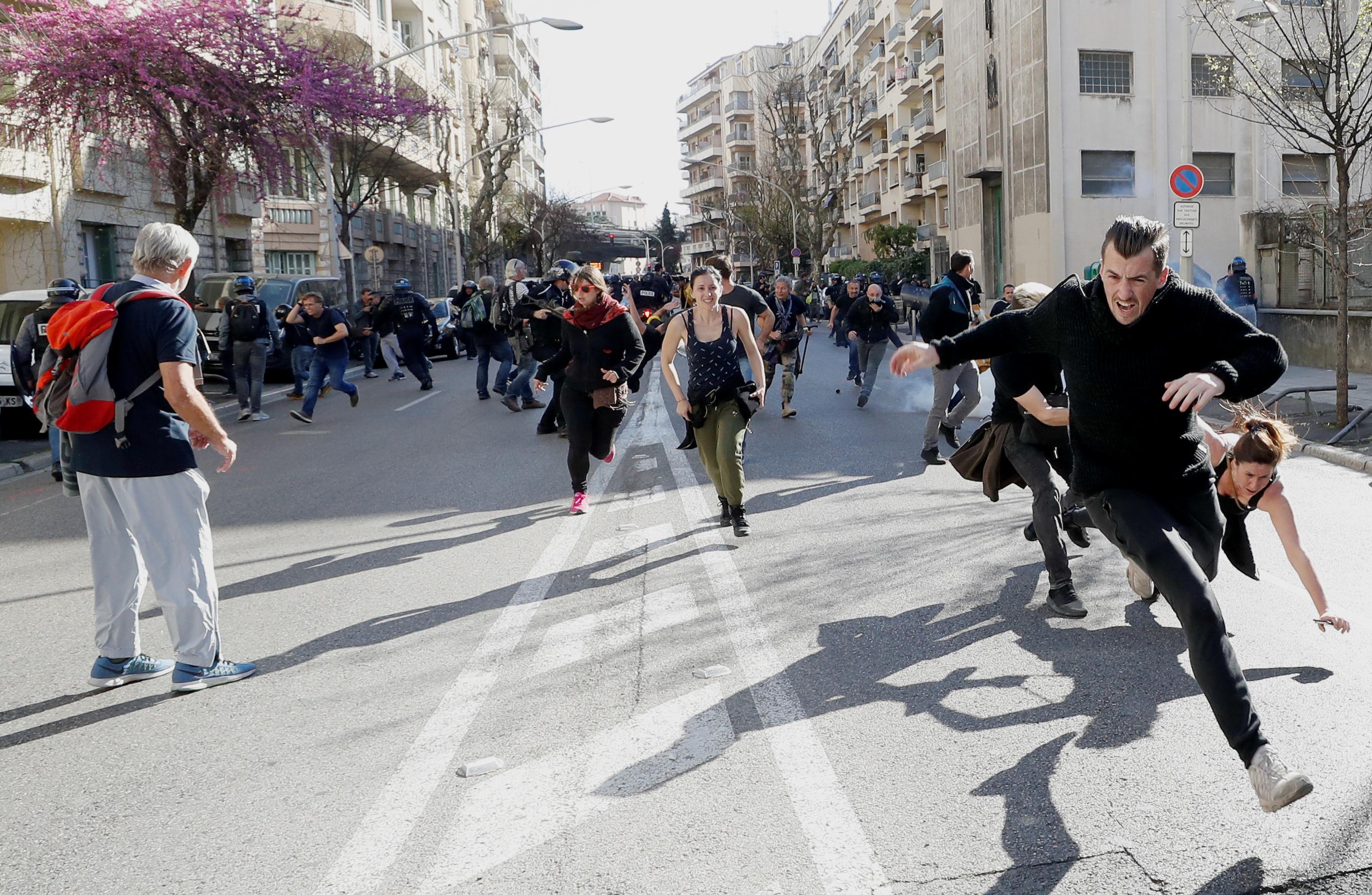مظاهرات محتجى السترات الصفراء (2)