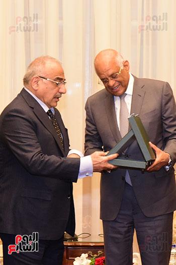 رئيس النواب يستقبل رئيس وزراء العراق بـالبرلمان (12)