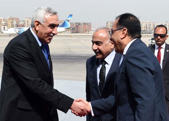 رئيس الوزراء ونظيره العراقى لدى وصوله للقاهرة (4)