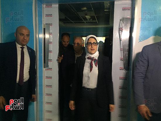 وزيرة-الصحة-تتفقد-مستشفى-أطفال-النصر-(9)
