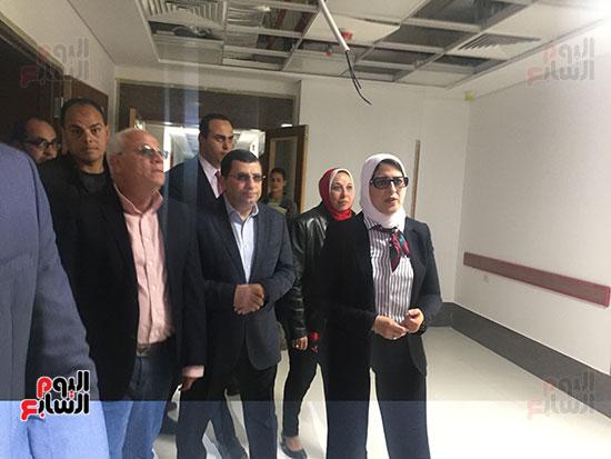 وزيرة-الصحة-تتفقد-مستشفى-أطفال-النصر-(7)