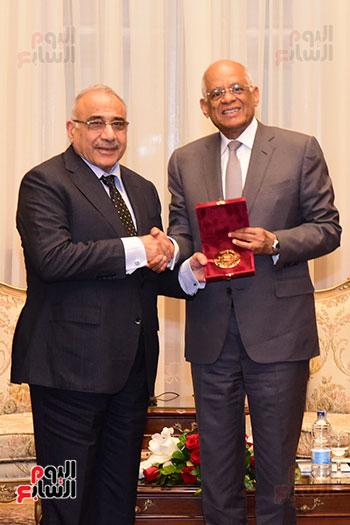 رئيس النواب يستقبل رئيس وزراء العراق بـالبرلمان (11)