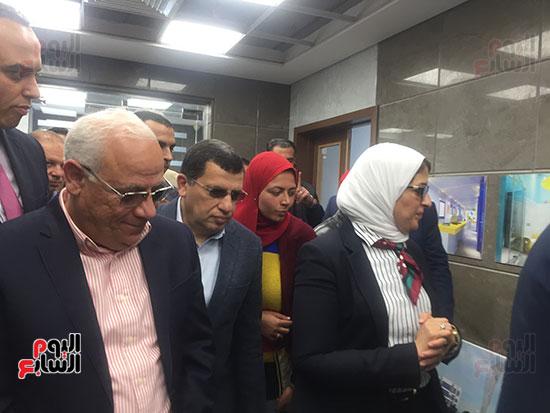 وزيرة-الصحة-تتفقد-مستشفى-أطفال-النصر-(5)