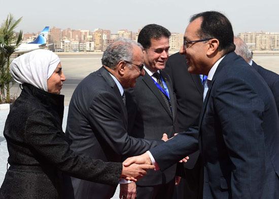 رئيس الوزراء ونظيره العراقى لدى وصوله للقاهرة (6)