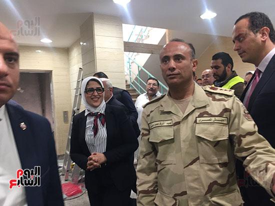وزيرة-الصحة-تتفقد-مستشفى-بورسعيد-العام-(1)