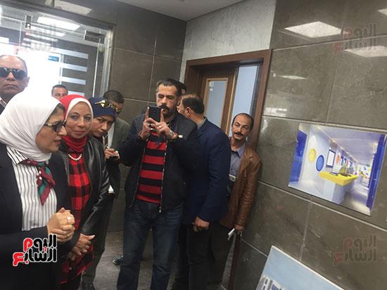 وزيرة-الصحة-تتفقد-مستشفى-أطفال-النصر-(4)