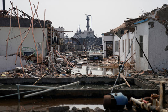 انفجار مصنع كيماويات بالصين (5)
