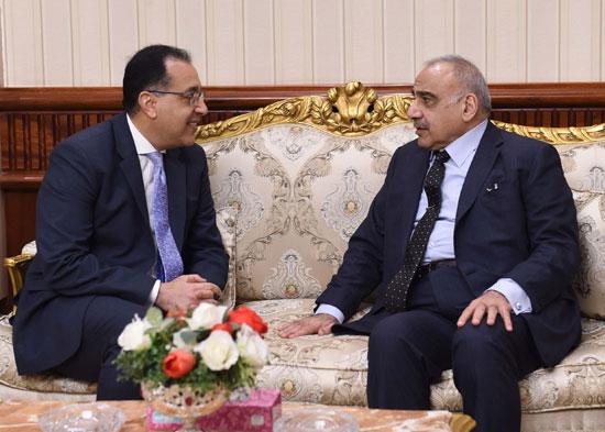 رئيس الوزراء ونظيره العراقى لدى وصوله للقاهرة (8)