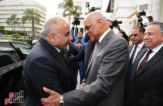 رئيس النواب يستقبل رئيس وزراء العراق بـالبرلمان (1)