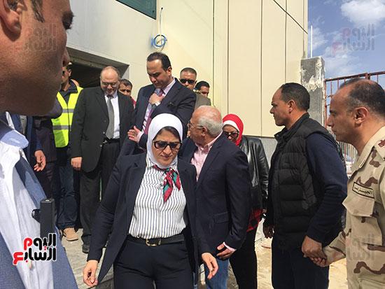 وزيرة-الصحة-تتفقد-مستشفى-بورسعيد-العام-(9)