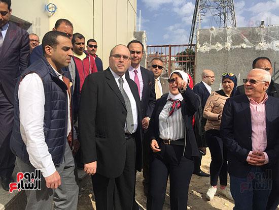 وزيرة-الصحة-تتفقد-مستشفى-بورسعيد-العام-(10)