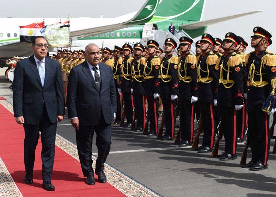 رئيس الوزراء ونظيره العراقى لدى وصوله للقاهرة (2)