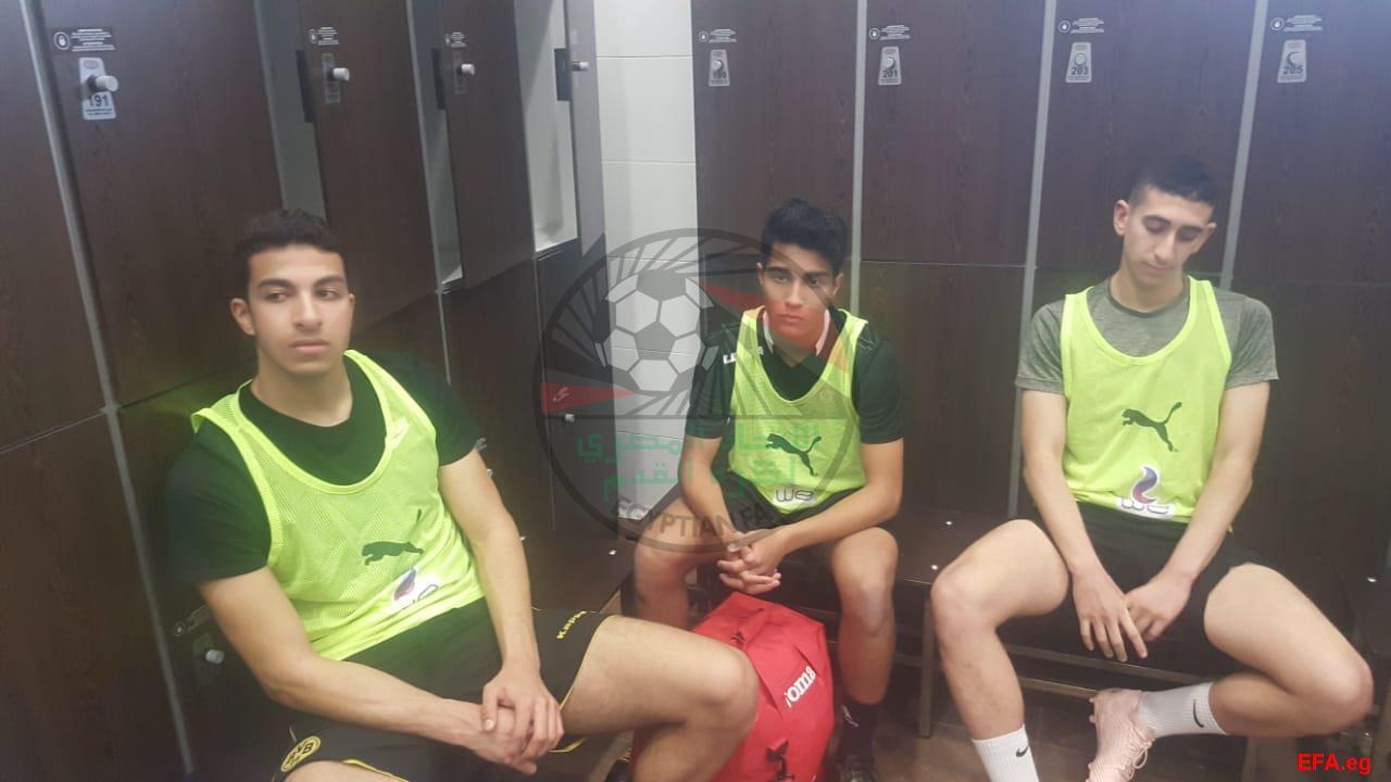 المنتخب الاولمبى يستقبل اللاعبين المحترفين (3)
