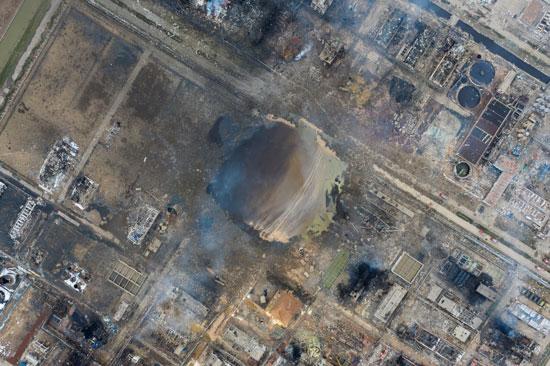 انفجار مصنع كيماويات بالصين (3)