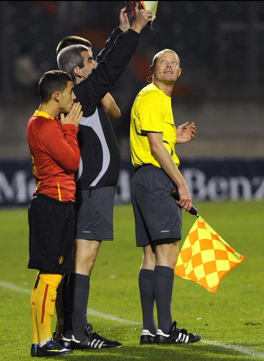 هازارد خلال مباراته الأولى مع بلجيكا