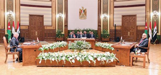 قمة ثلاثية بين زعماء مصر والأردن والعراق لتعزيز التعاون (4)