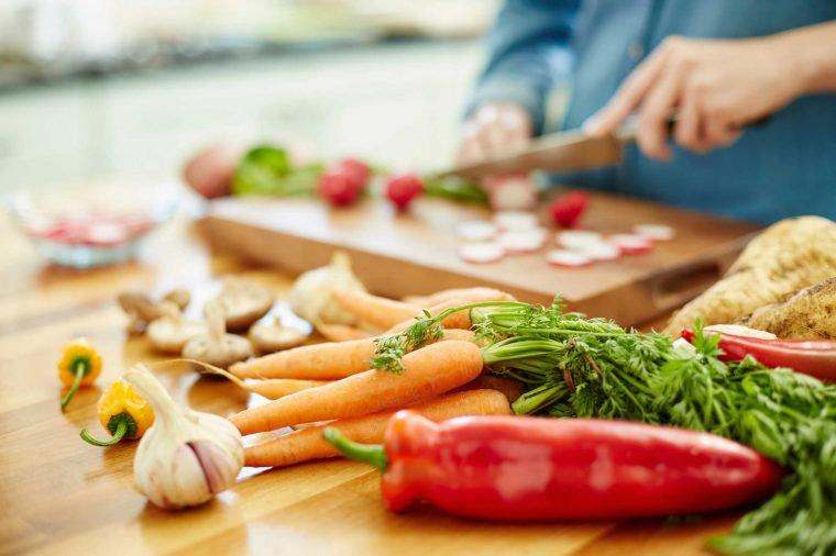 4_food_poisoning_Neustockimages-760x506
