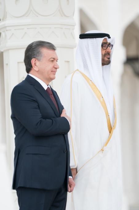 الشيخ محمد بن زايد مع رئيس أوزبكستان