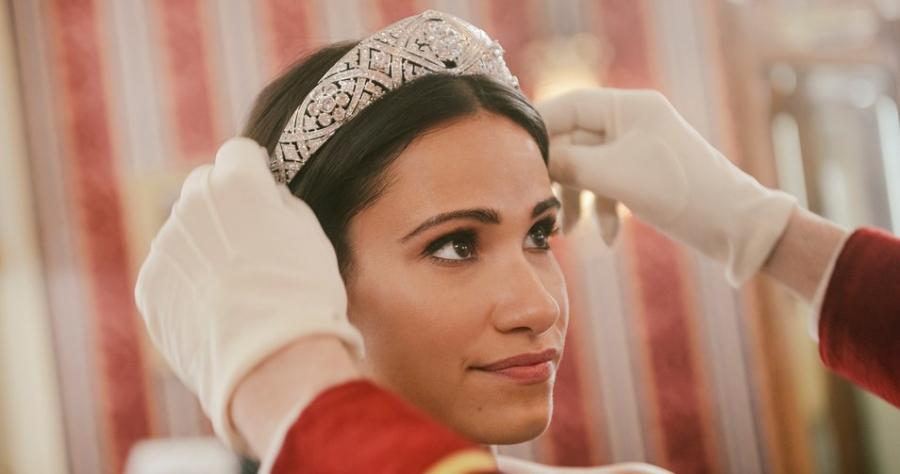 مشهد من فيلم Harry and Meghan: Becoming Royal