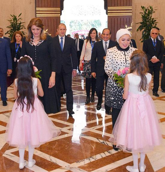 لقاء السيدة انتصار السيسى، قرينة الرئيس عبد الفتاح السيسى، وقرينة الرئيس البلغارى (1)