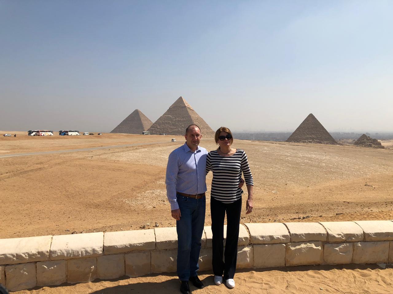 خلال زيارة الرئيس البلغارى وزوجته لمنطقة آثار الهرم (4)