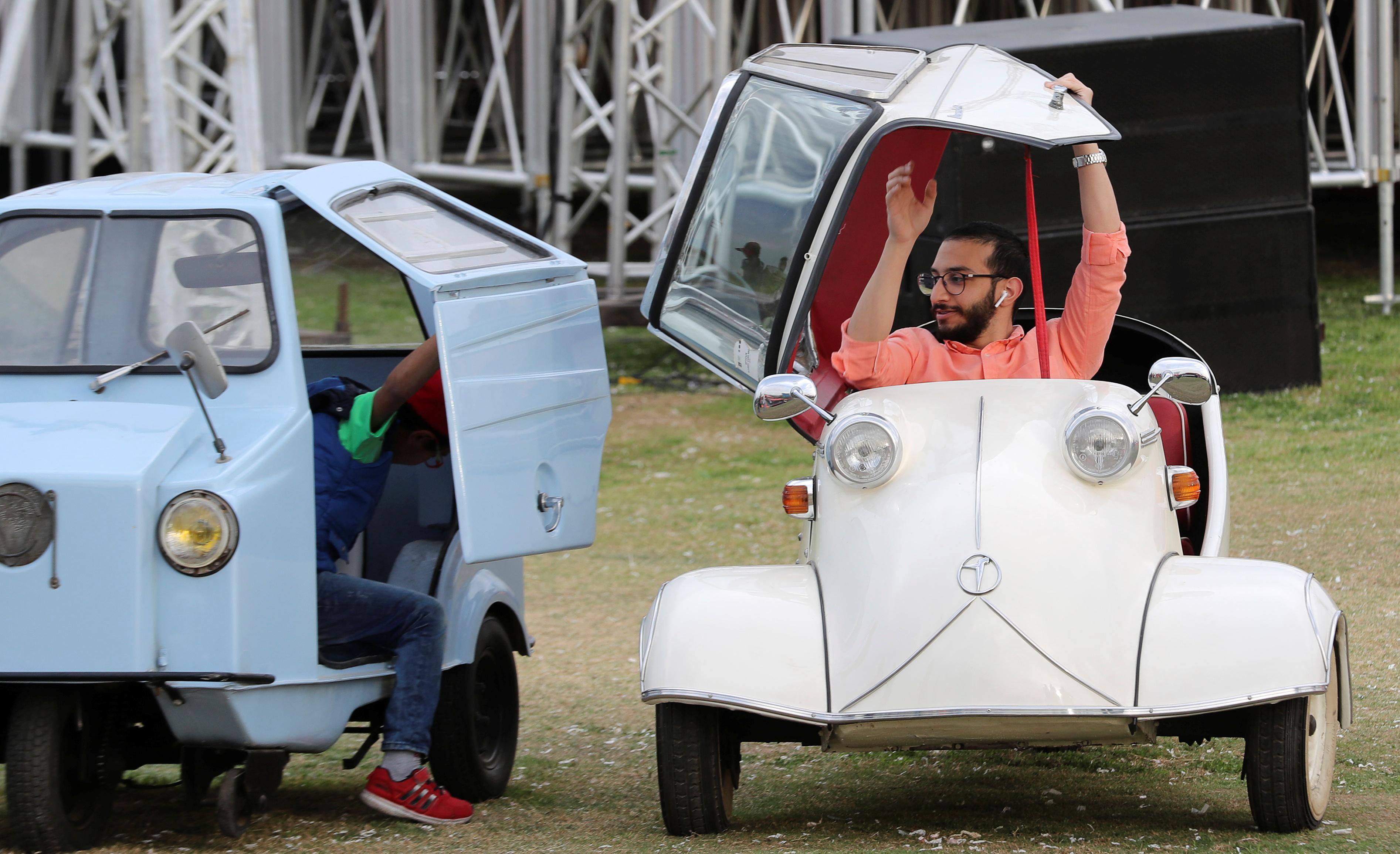 جانب من معرض السيارات القديمة فى القاهرة (4)