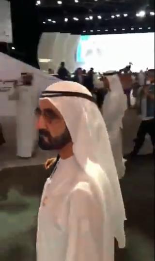 الشيخ محمد بن راشد يصل مقر انعقاد منتدى الإعلام العربى