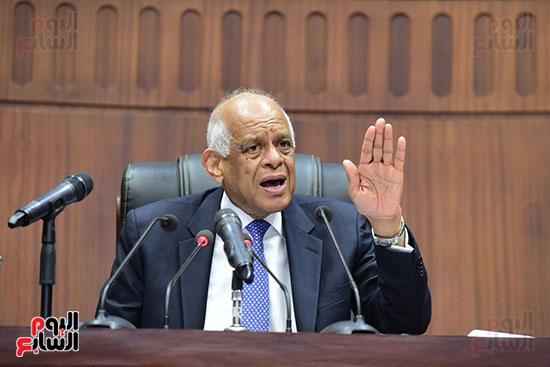 الدكتور على عبد العال رئيس مجلس النواب يستمع أسئلة و لمقترحات رؤساء الأحزاب السياسية ورجال السياسة وشباب الأحزاب حول تعديلات الدستور (9)
