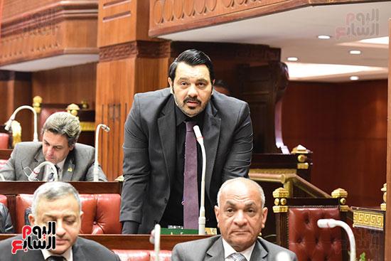 الدكتور على عبد العال رئيس مجلس النواب يستمع مقترحات رؤساء الأحزاب السياسية ورجال السياسة وشباب الأحزاب حول تعديلات الدستور (7)