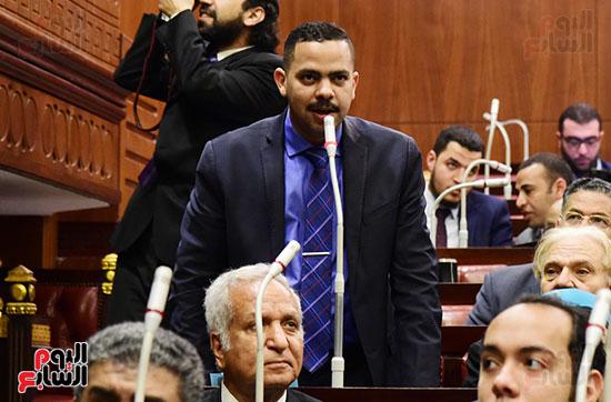 على عبد العال رئيس مجلس النواب يستمع أسئلة و لمقترحات رؤساء الأحزاب السياسية (2)