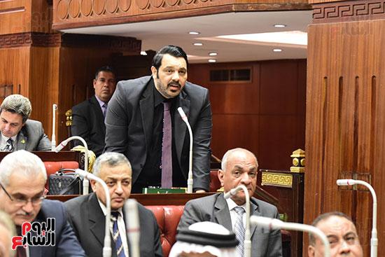 الدكتور على عبد العال رئيس مجلس النواب يستمع مقترحات رؤساء الأحزاب السياسية ورجال السياسة وشباب الأحزاب حول تعديلات الدستور (8)