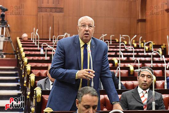 الدكتور على عبد العال رئيس مجلس النواب يستمع مقترحات رؤساء الأحزاب السياسية ورجال السياسة وشباب الأحزاب حول تعديلات الدستور (10)