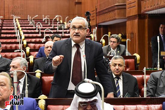 الدكتور على عبد العال رئيس مجلس النواب يستمع مقترحات رؤساء الأحزاب السياسية ورجال السياسة وشباب الأحزاب حول تعديلات الدستور (12)