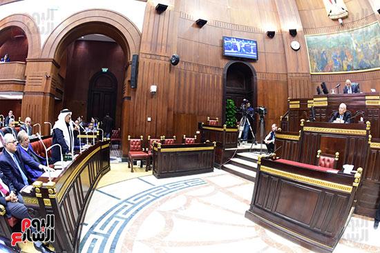 الدكتور على عبد العال رئيس مجلس النواب يستمع مقترحات رؤساء الأحزاب السياسية ورجال السياسة وشباب الأحزاب حول تعديلات الدستور (6)