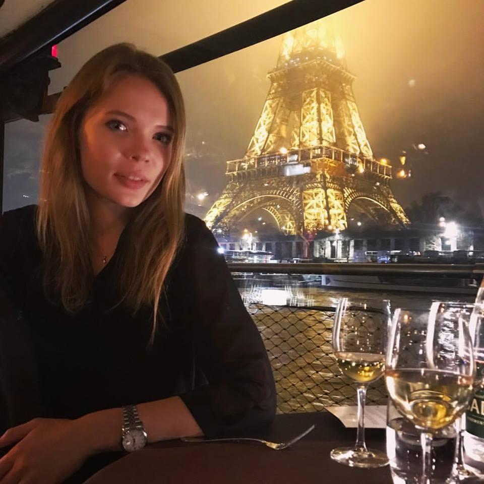 كسينيا  فى باريس