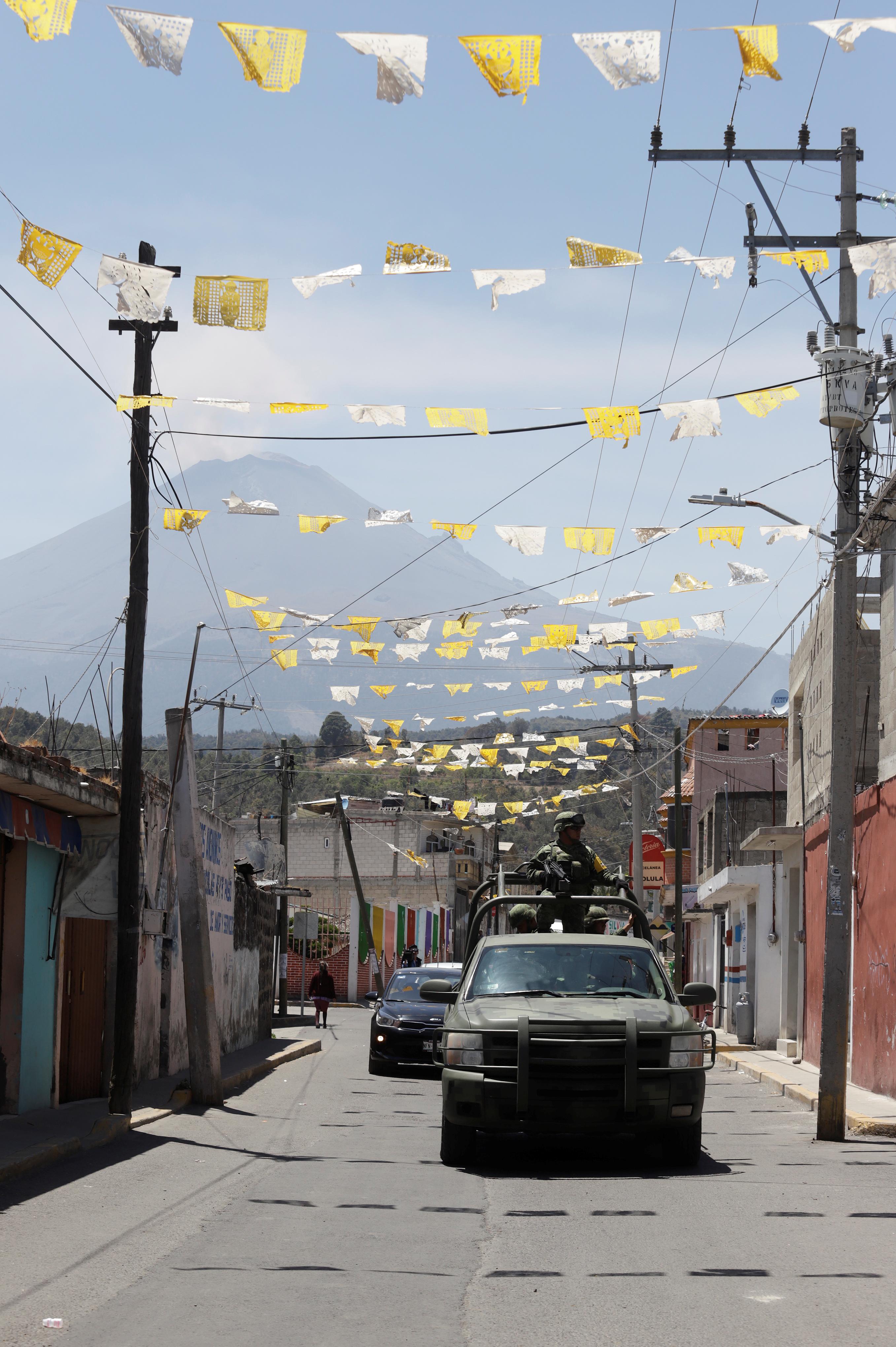 رفع مستوى التأهب على خلفية ثوران بركان فى المكسيك (1)