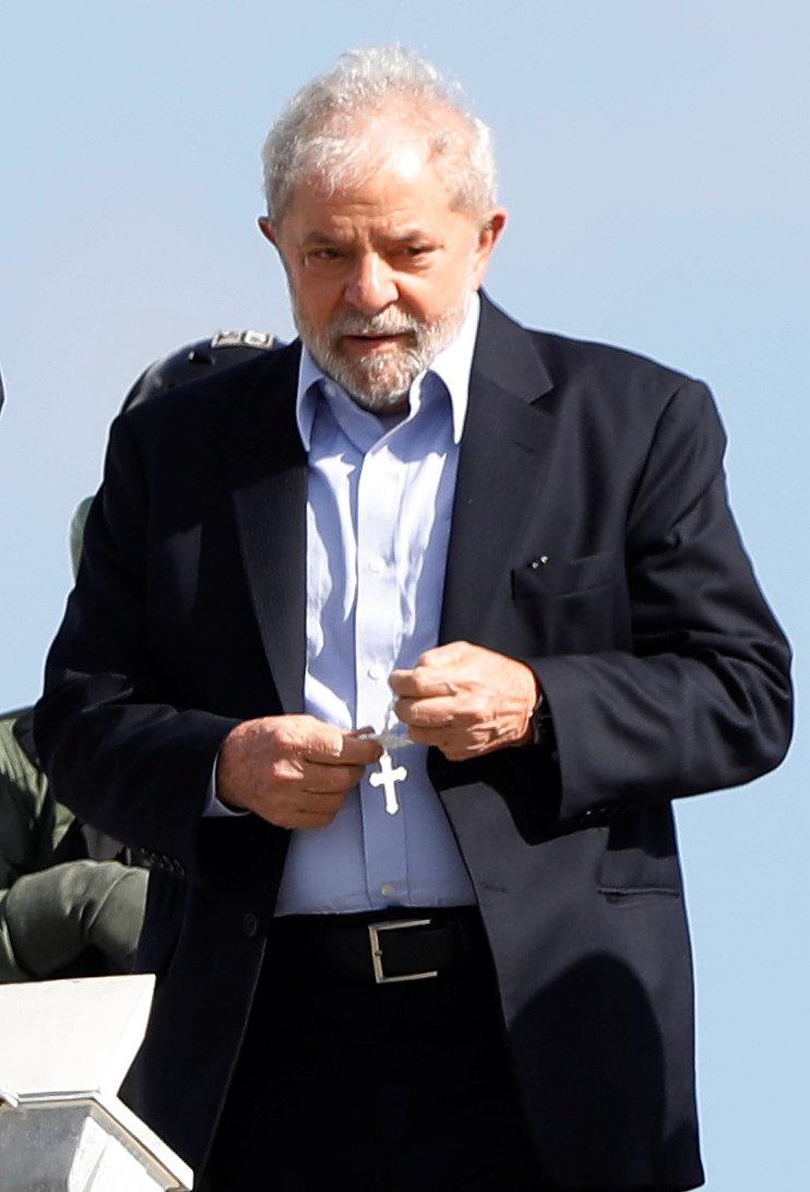 لولا دا سيلفا يغادر السجن لحضور جنازة حفيده (1)
