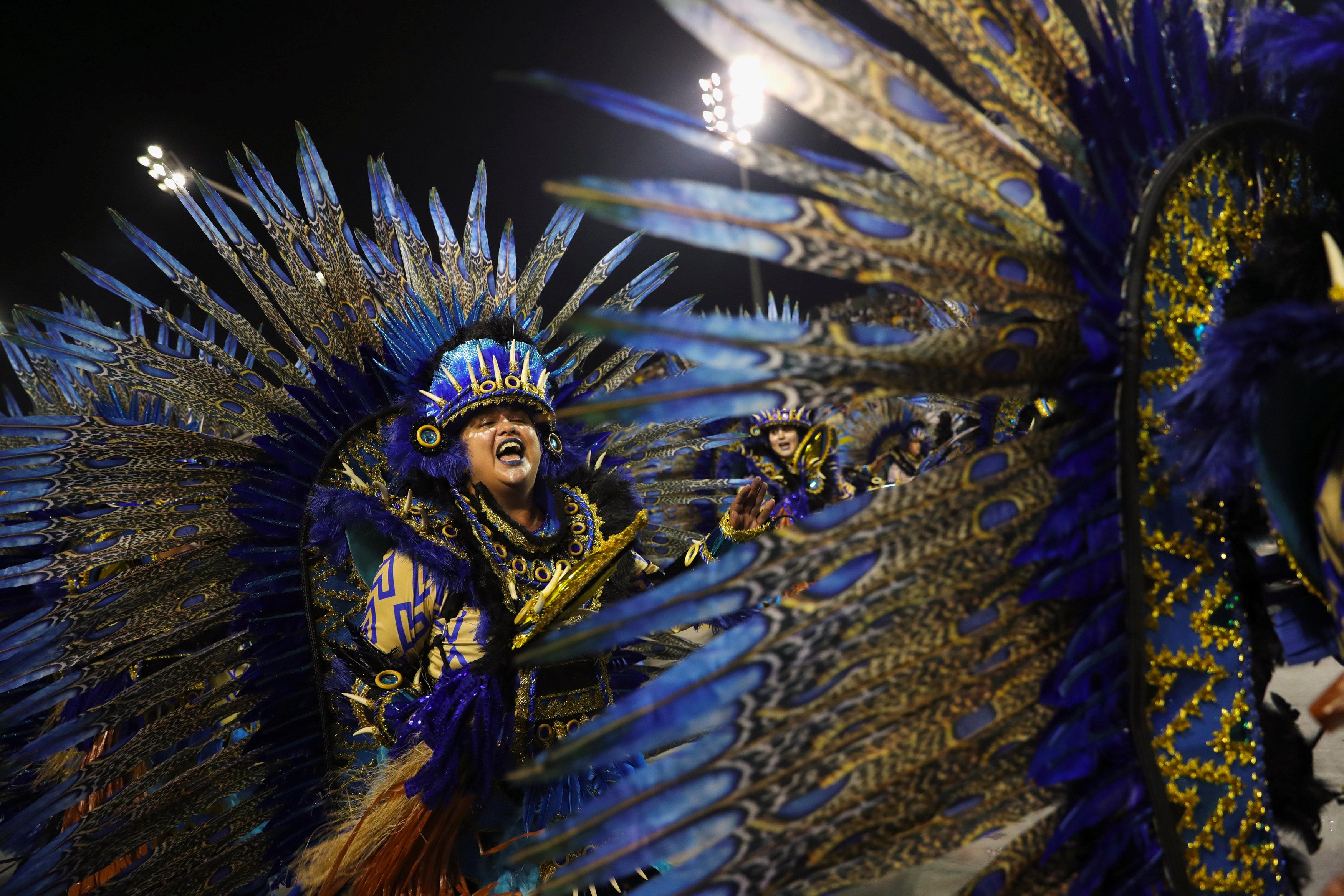 كرنفال ساوباولو لإحياء رقصة السامبا (2)