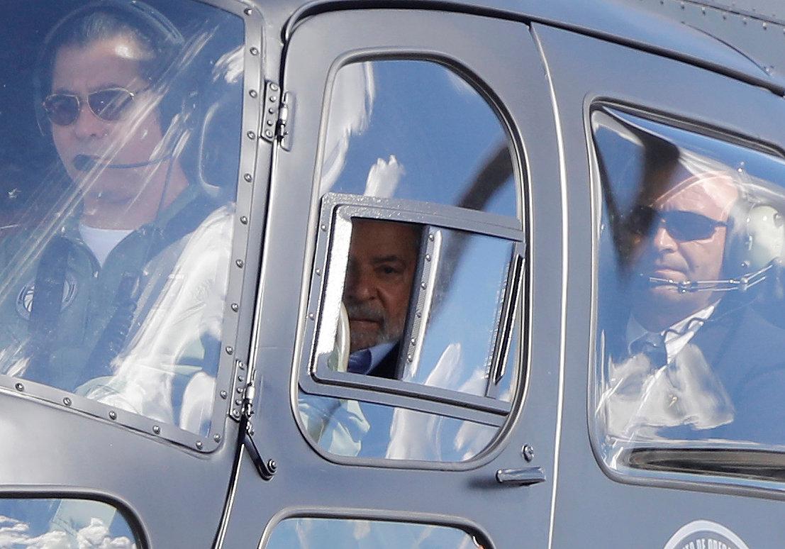 لولا دا سيلفا يغادر السجن لحضور جنازة حفيده (6)