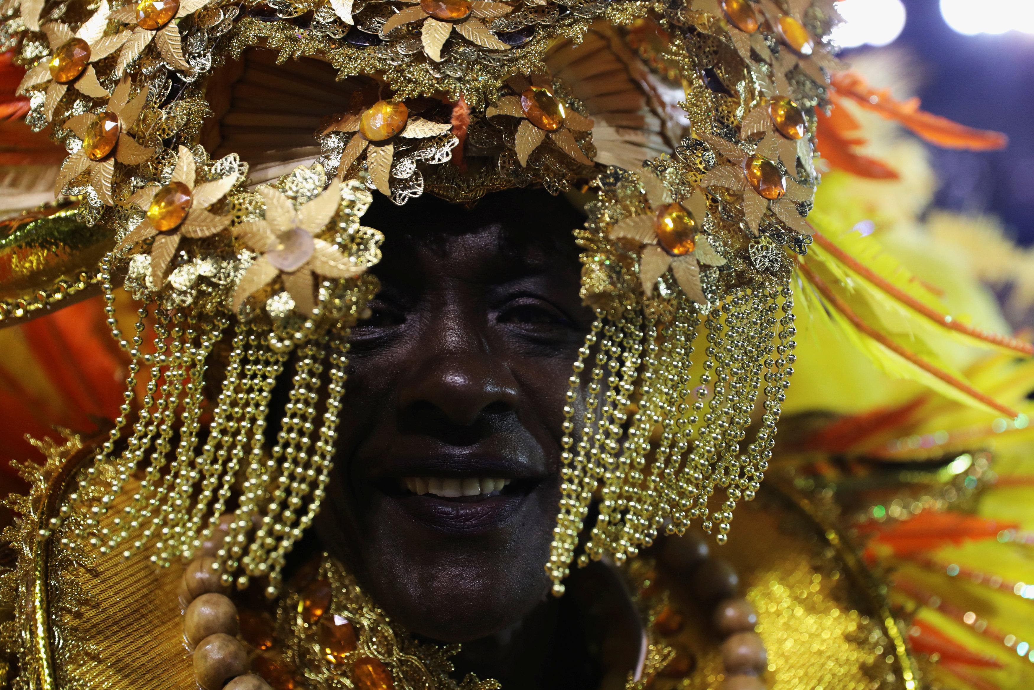 كرنفال ساوباولو لإحياء رقصة السامبا (4)