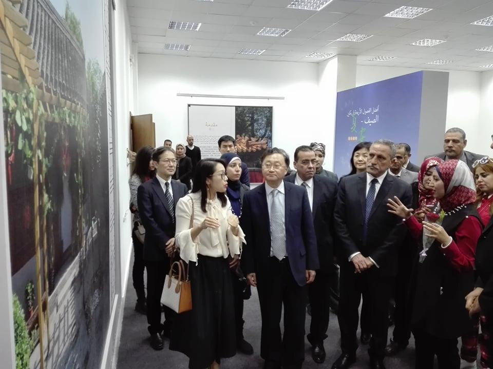 قنصل الصين والمحافظ فى الجامعة (11)
